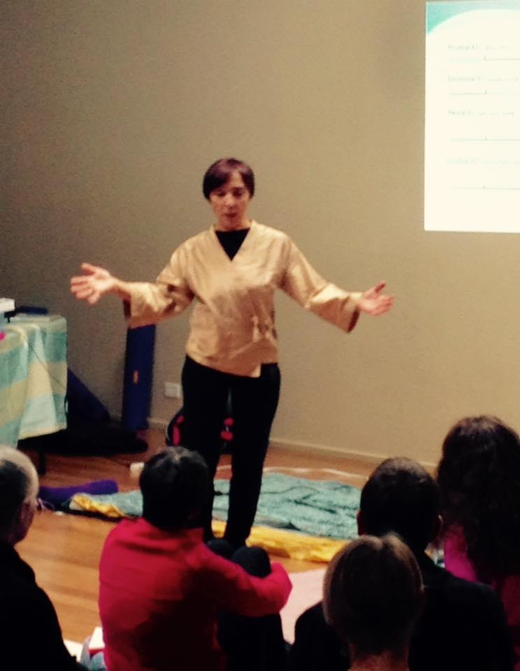 Inviato da Chicago Shiatsu Symposium 2015 Day 1 patrizia stefanini teaching