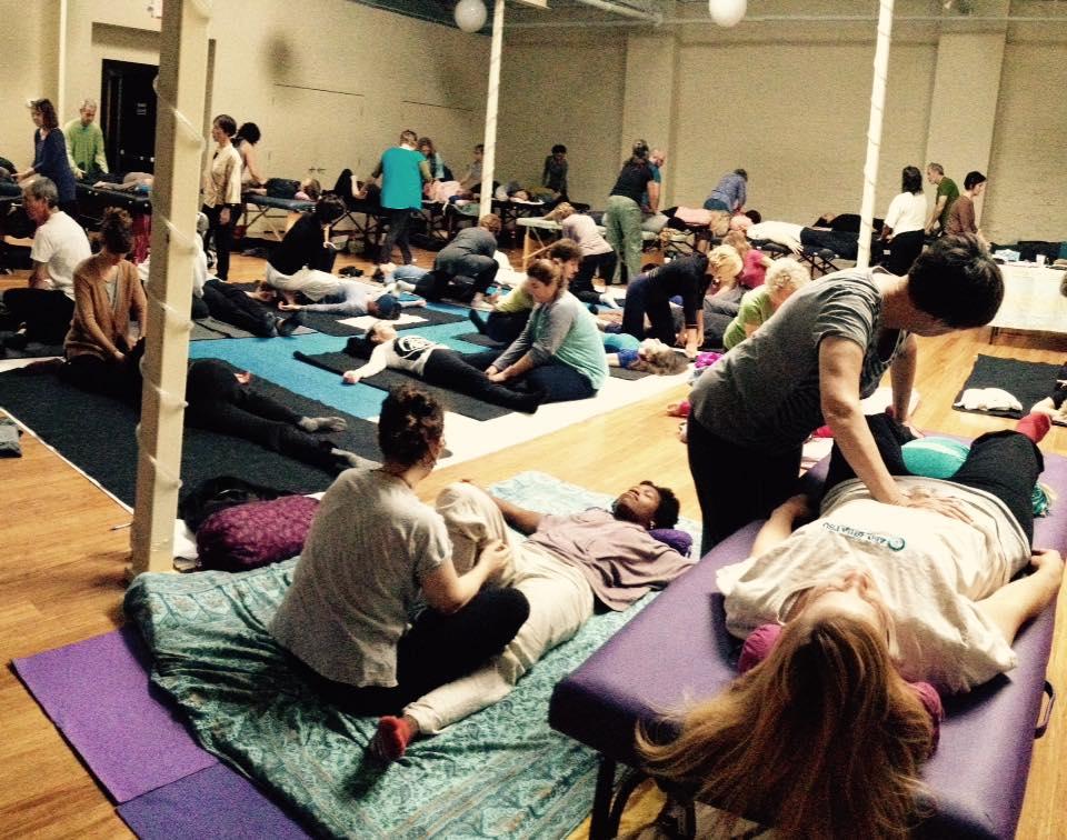 Inviato da Chicago Shiatsu Symposium 2015 Day 1 patrizia stefanini practice class